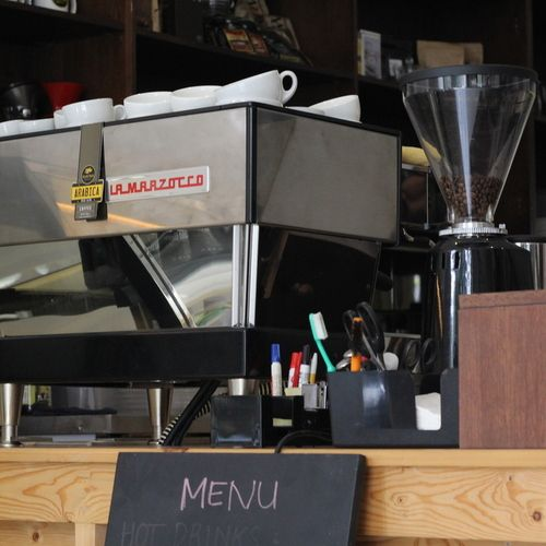 Machine: La Marzocco Linea  Grinders: Mazzer Super Jolly  Manual brewing: French press, V60, syphon  Roaster: Yellow Truck  Hours: Sun - Fri 09.00 - 19.00  Wi-Fi: No  W.C: Yes  Outdoor seating: No
