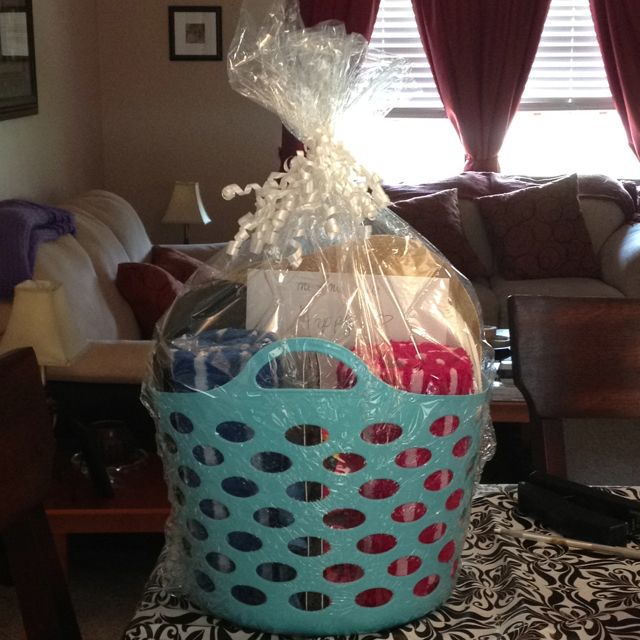 Walmart Wedding Gift Ideas: 1000+ Ideas About Honeymoon Basket On Pinterest