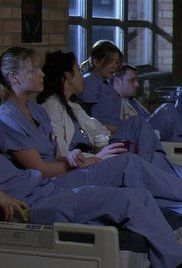 Grey'S Anatomy Sezonul 1 Episodul 2.  Meredith becomes concerned about a sick baby.