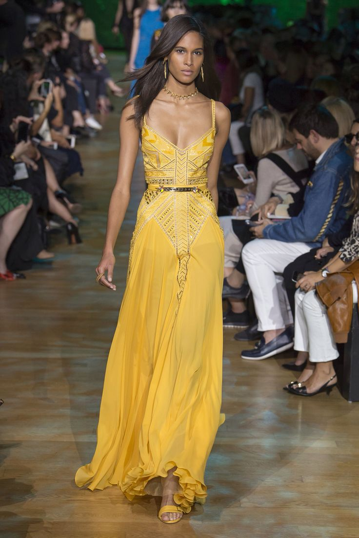 Elie Saab Spring 2018 Ready-to-Wear Fashion Show Collection. Love this dress, wish it wasn't yellow...