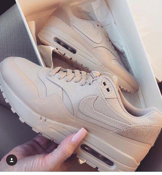 Beige Nike Air Max Thea