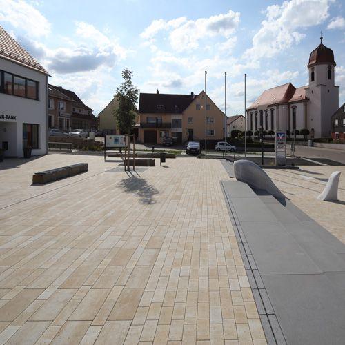 Der Rathausplatz Wört mit SALSA® Planline von braun-steine