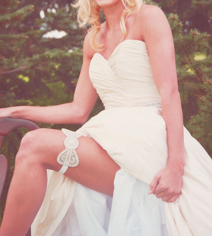 A Crystal Bow Bridal Garter Is Really Worth Showing Off