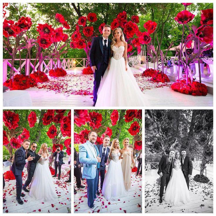 """Однаждыв Америке"". Красивая #свадьба Риты Дакота @ritadakota и Влада Соколовского @vs20 в новом номере @brideandstyle Организатор @svadberry #декор @shakirovajulia  #brideandstyle #brideandstyle50 #платье #свадебноеплатье #цветы #маки #знаменитости #невеста #жених #wedding #bride #groom #flowers #decoration #celebration #bouqet #flowers #happy #beauty #flowermagic #family #together #dress #poppies #paperflowers #red"