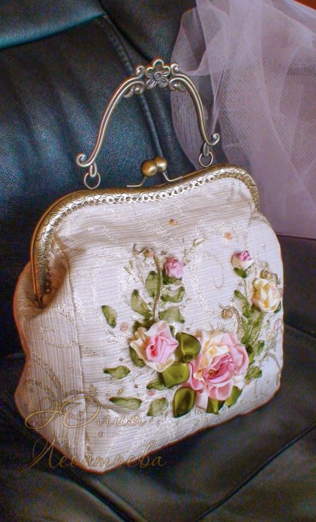 Gallery.ru / Сумочка с розами - сумки, косметички, кошельки - lyvik
