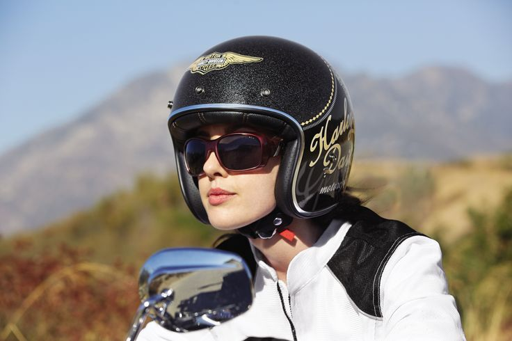 the reason for you to buy motorcycle helmet shoei