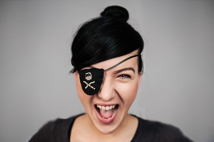 rawwwr #portrait #pirate #girl #face #skull