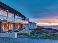 ZA Silver Bay: On the West Coast of South Africa, this is a contemporary interpretation of vernacular architecture.