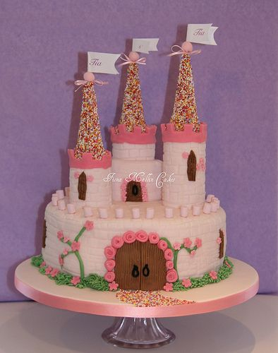 Tia's Castle Cake | My first castle cake. Thank you to Sarah… | Flickr