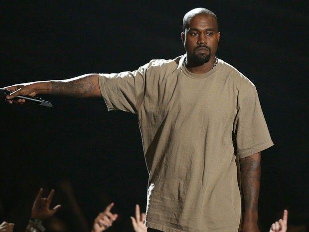 Kanye West é vaiado em show por declarar apoio a Donald Trump - http://anoticiadodia.com/kanye-west-e-vaiado-em-show-por-declarar-apoio-a-donald-trump/