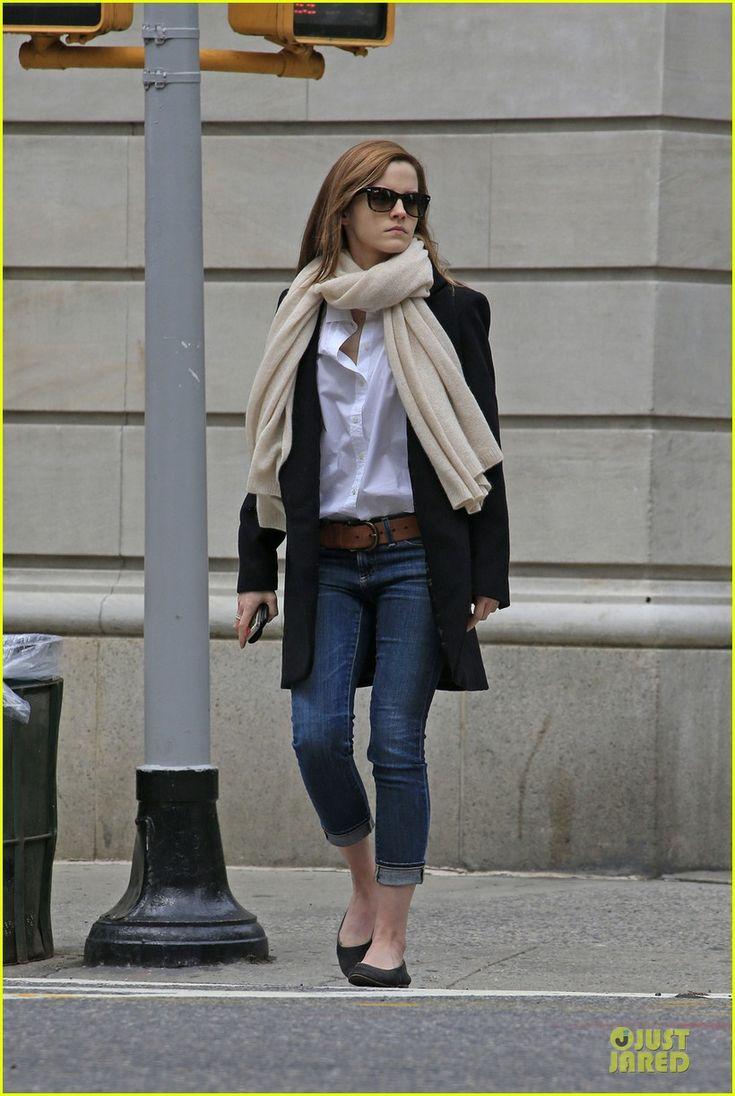 emma watson matthew janney grab breakfast 03 Emma Watson rocks a chic pair of cropped jeans while grabbing breakfast with her boyfriend Matthew Janney on Friday (May 23) in New York City's Upper East Side.…