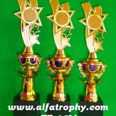 Penjual Trophy di Surabaya, Harga Piala Trophy Surabaya | Alfa Trophy | Distributor Trophy Murah
