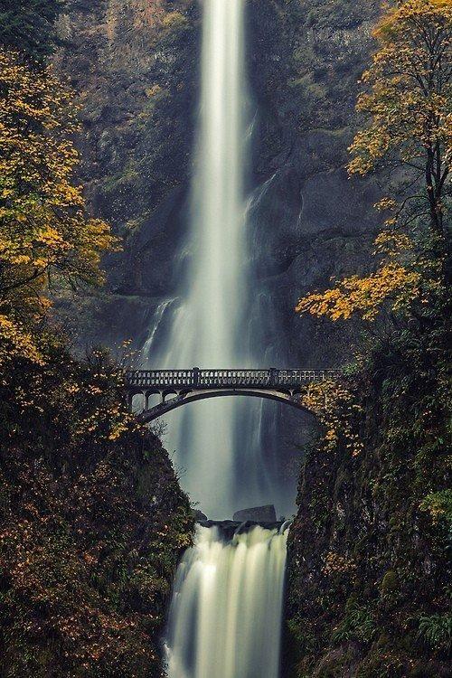 Водопад Multnomah, Орегон, США