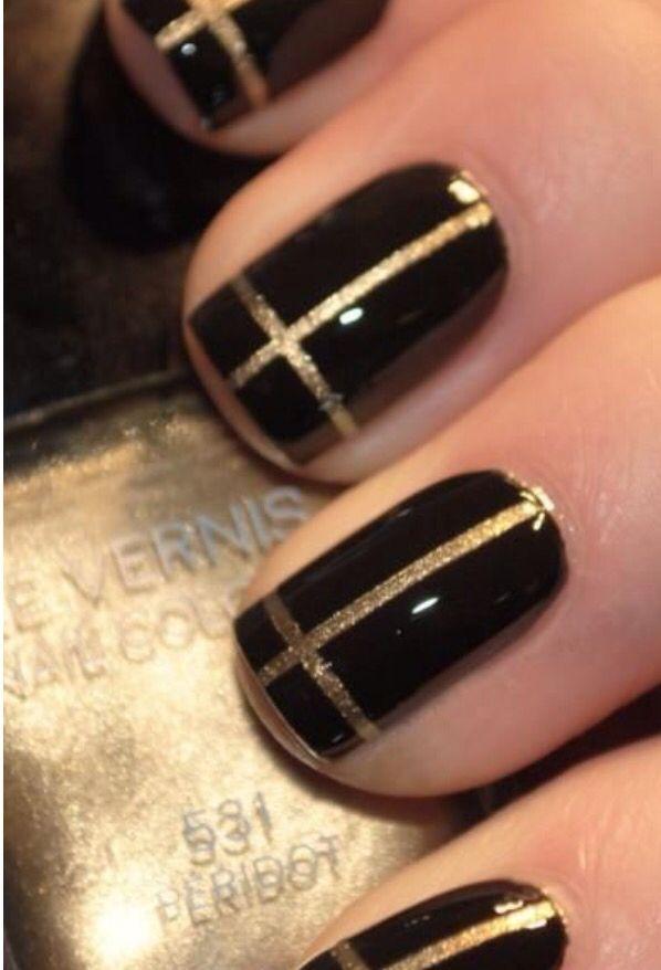 Negro con franjas doradas