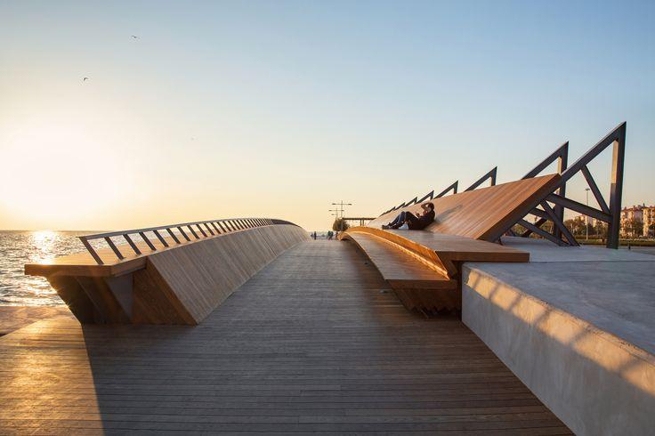 Galería de Puente peatonal y espacio recreativo Bostanlı / Studio Evren Başbuğ - 9