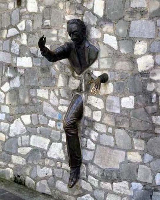 Strange Statues From Around the World 37
