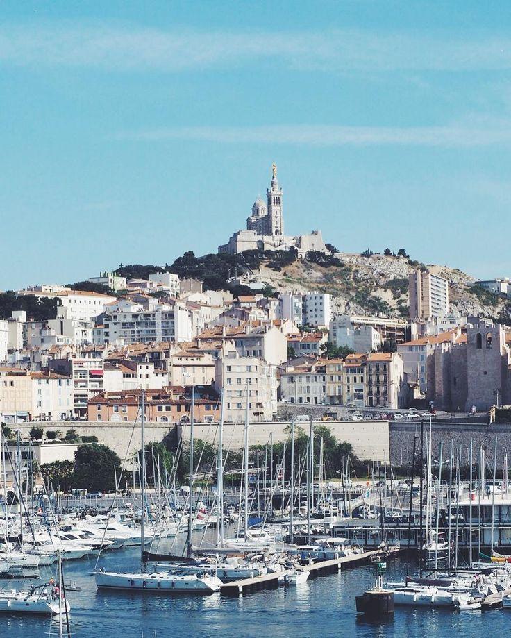 Retour dans ma chère Marseille où j'ai passé ma dernière année d'études il y a... 20 ans  La ville à beaucoup changé elle est encore plus belle que dans mes souvenirs  Merci @villagesclubsdusoleil !  #villagesclubsdusoleil #choosemarseille #vieuxport #bonnemere #blogtrip
