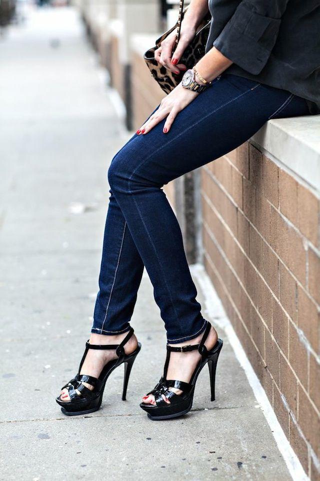 Love These Basic Skinny Dark Jeans And Strappy Platform