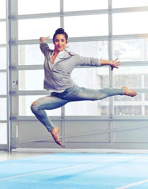 How does she do that in jeans!!! ((Aly Raisman))