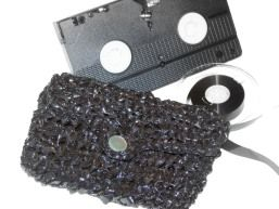 VHS Tape Clutch Purse DIY Craft ProjectRetro Crafts, Tape Clutches, Crafts Ideas, Funky Retro, Diy Crafts, Vhs Tape, Crafts Projects, Crochet Patterns, Clutches Purses