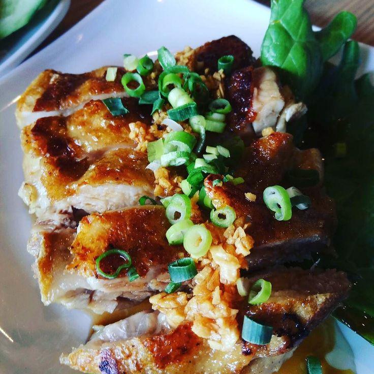 末っ子と母と買い物してラケットのガット張り出してお昼ご飯食べた残念ながらガパオは好みの味ではなかったのだけどガイヤーンとアイスはおいしかったカオマンガイは末っ子用ご飯大盛り肉2倍が350円増しでできるので良心的だと思う家からふらっと行ける数少ないお店 #thaifood #atsugi #タイ料理