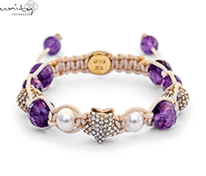 GOLD STAR HEAVEN - contine perle de tip Amethyst, o stea de aur si doua de zirconiu.