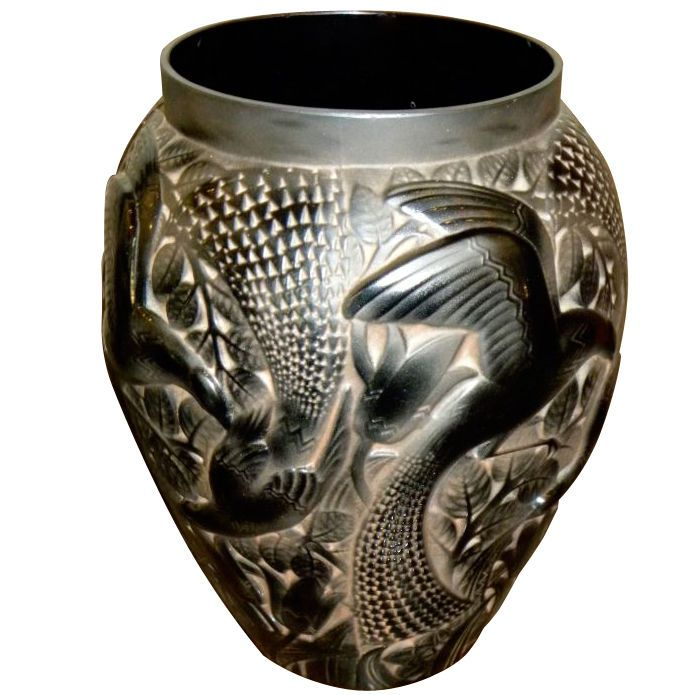 1stdibs.com   Monumental French  Glass vase by D'Avesn with birds
