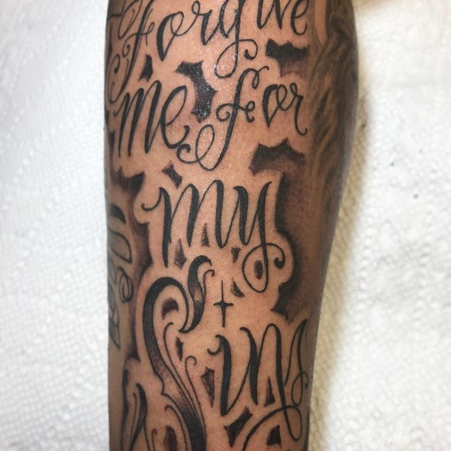 """""""Forgive me for my Sins"""" #gunzalezink #freehand #freehandlettering #letras #loveletters #lettering #scripttattoos #fancylettering #chicanotattoos #tattoos #tatted #ink #empireinks #blackandgreytattoo #southjerseytattoo"""