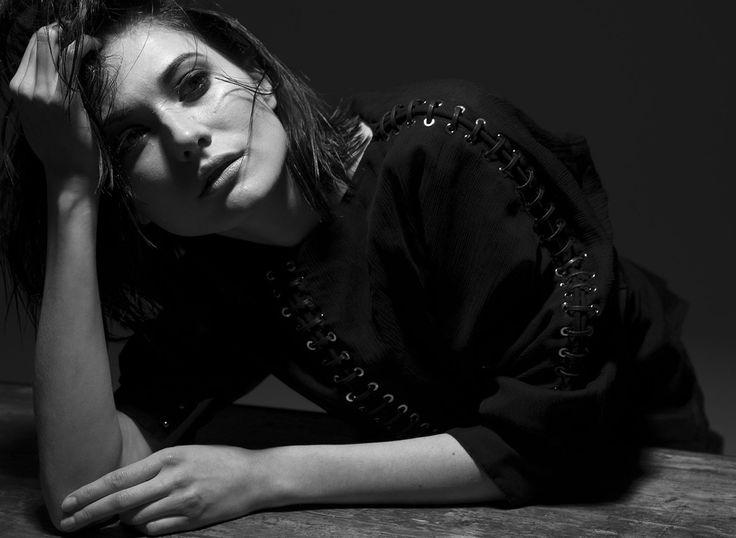 Make up: Valentina Raimondi #makeup #beauty #smokyeyes #valentinaraimondi #blackandwhite #b&w #fashion #model #black