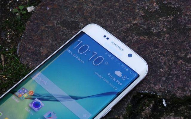 Nuovi galaxy note 5 ed s6 edge plus con batterie small Con Smartphone sempre più grandi e potenti, gli attuali smartphone richiedono sempre più energia e difficilmente si arriva a fine giornata. I principali produttori sembrano lavorare sempre più sulla  #samsung