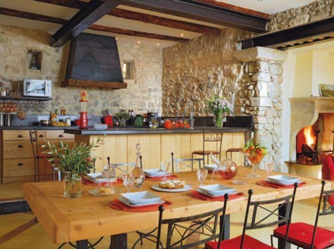 Obklady jako interiérový prvek rustikální kuchyně