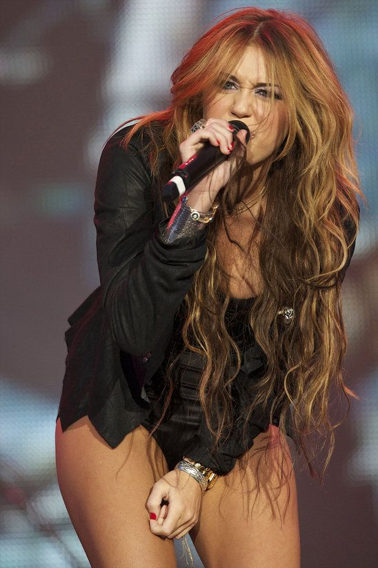 Before Miley Cyrus Got Her Hair Cut Off She Went For Long Brown Hair With Some Highlights