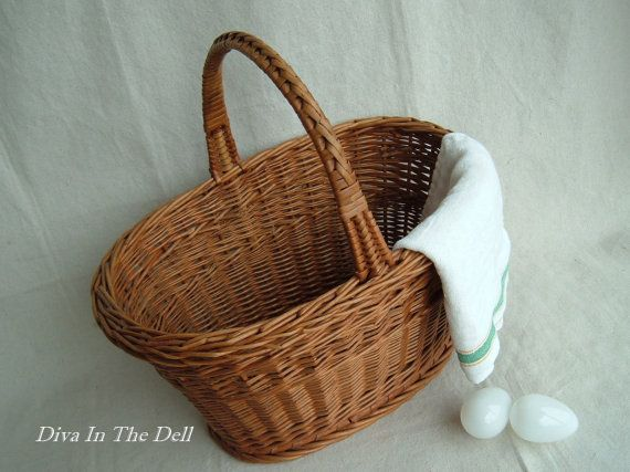 Vintage Wicker Market or Produce Egg Basket by DivaInTheDell, $40.00