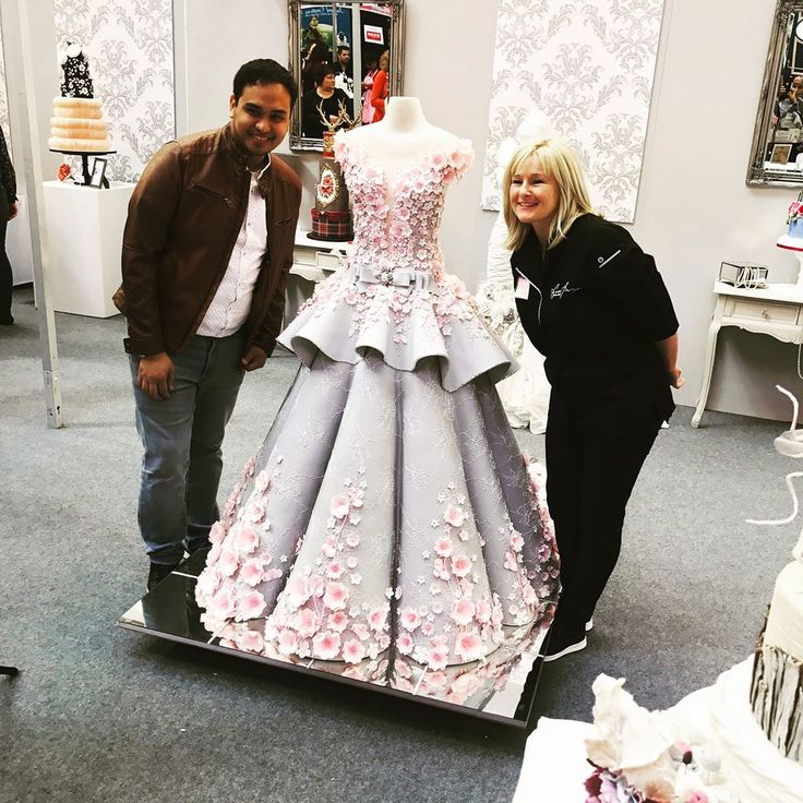This Wedding Dress Cake Is Blowing People's Minds - The Fast Fashion Blog