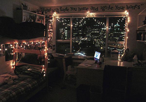 cool college bedroom lights 20 Cool College Dorm Room Ideas