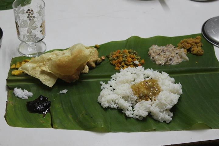 Mallu Dinner, Onam .. Loved the Pineapple curry..(September 2011)