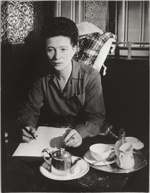 Simone de Beauvoir's philosophy of lived experience : Literature and metaphysics