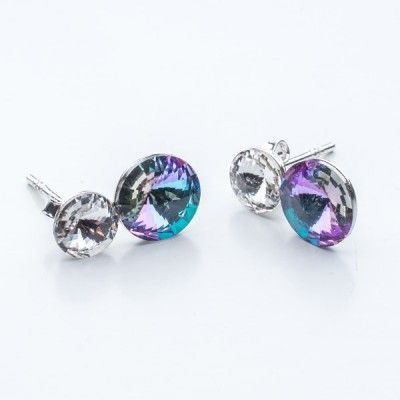 Swarovski Rivoli Earrings 6/8mm Crystal + Vitrail Light  Dimensions: length:1,5cm stone size: 6mm and 8mm Weight ~ 1,60g ( 1 pair ) Metal : sterling silver ( AG-925) Stones: Swarovski Elements 1122 SS29 ( 6mm ) and SS39 ( 8mm )  Colour: Crystal + Vitrail Light 1 package = 1 pair