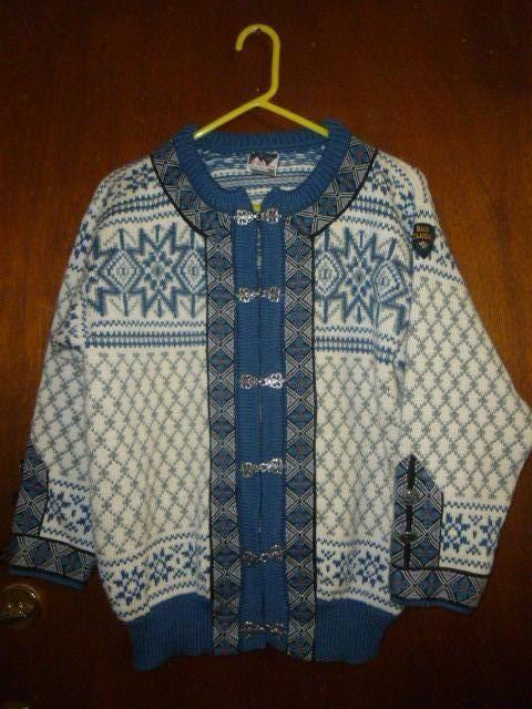 Womens Vintage Dale of Norway Cardigan Sweater 40 S by BathoryZ