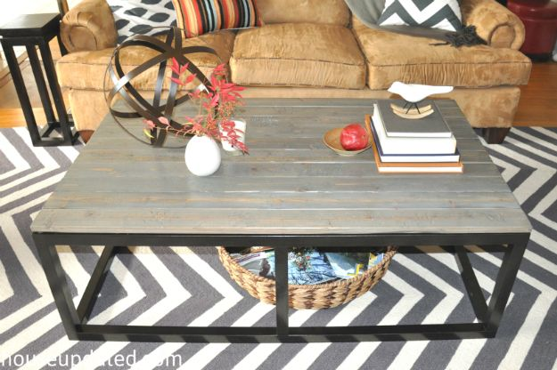 diy industrial coffee table with faux reclaimed wood and faux metal base for only 75 house. Black Bedroom Furniture Sets. Home Design Ideas