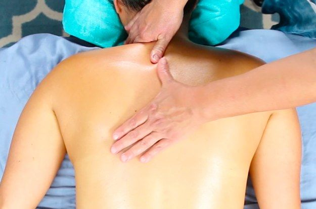 Feeling tense from a long day? Why not ask your partner VERY nicely to try these easy upper back massage techniques on you? Just lay down and let the relaxation begin! | This Easy Partner Upper Back Massage Will Help You Release Stress