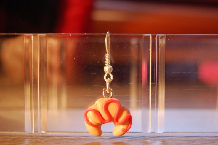 croissant! earring with pendant of polymer clay di HiSweety88 su Etsy