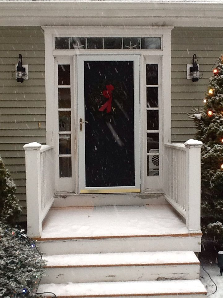 21 best front steps images on pinterest front entrances for Cape cod front door