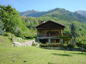 walking tours in the Alps, 1 hours from Niece  France gite accommodation, Mercantour