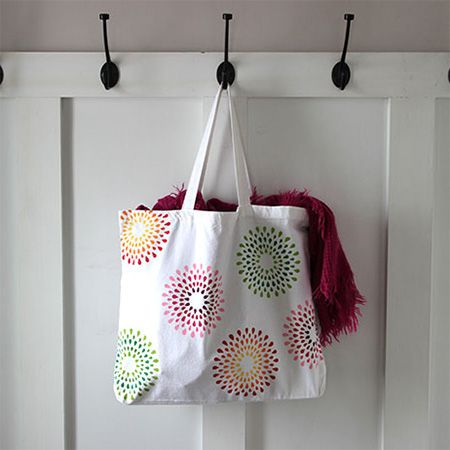 Make your own cotton tote bag or dress up a plain tote bag with a handmade stencil and some colourful acrylic craft paints - See more at: http://www.home-dzine.co.za/craft/craft-totebag.html#sthash.bKq3MYBd.dpuf