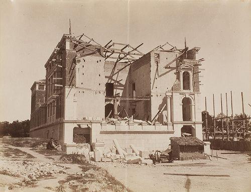 "Madrid. 1886. Effects of ""Killer"" Tornado on the city. Palace beside the Retiro Park / Madrid. 1886. El Casón del Buen Retiro, tras el paso del Tornado ""Killer""."