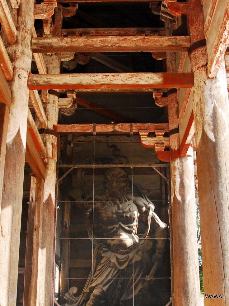 Panoramio - Photo of 東大寺南大門(国宝)の木造金剛力士立像(国宝)