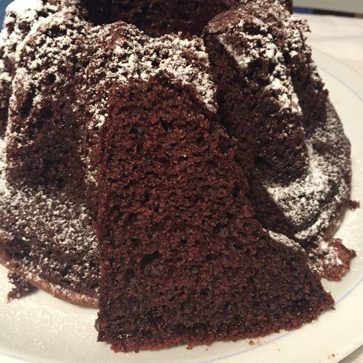 Chiffon cake al cioccolato! Ade http://www.adeguendaelina.it/moka-chiffon-cake/