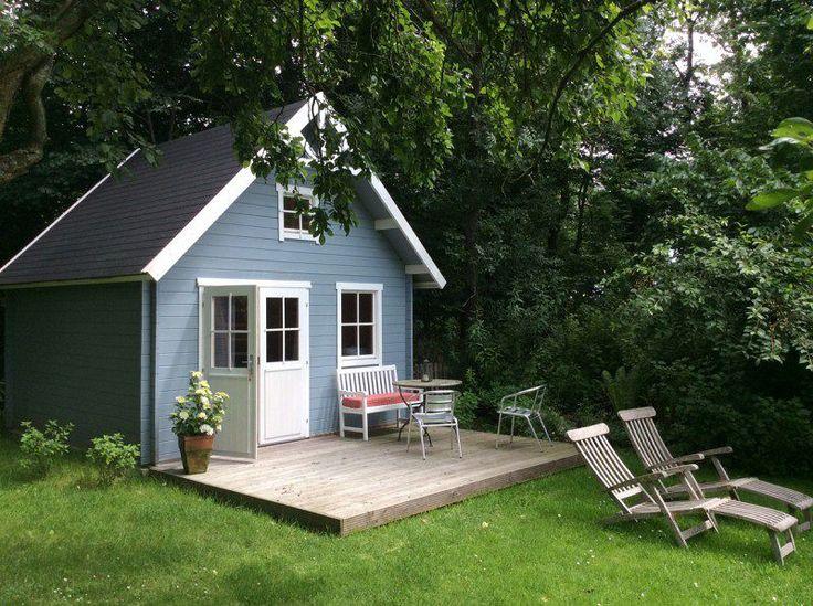Blau-Grau macht dieses Schwedenhaus 44 ISO zum perfekten Rückzugsort.
